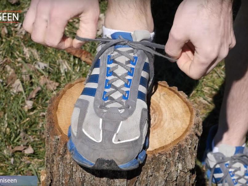 「秘密はあの穴!4700万回再生された「靴紐の結び方」でパフォーマンスUP!」の画像