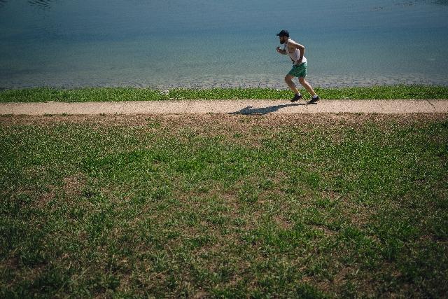 「人間の体は「フルマラソン2時間切り」が可能か!!  スタンフォード大学教授が限界値を割り出す」の画像