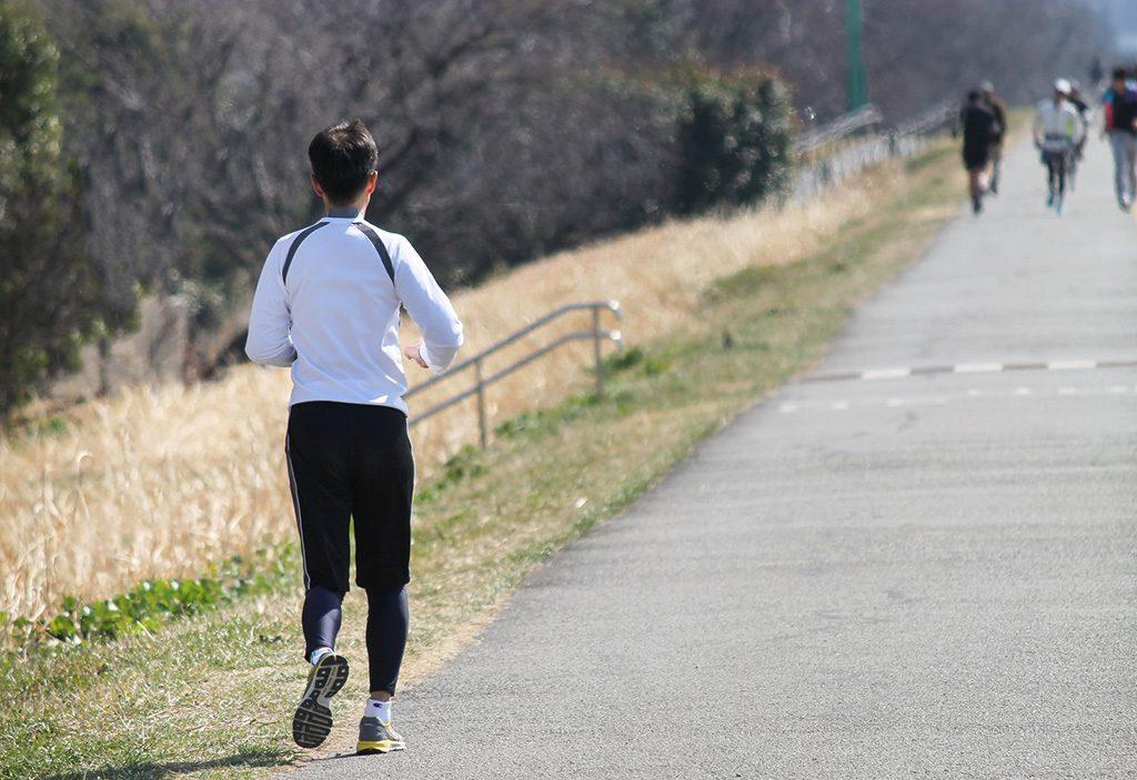 「疲れをためないランニングを。初心者ランナーが効率的に走るために必要な5つの要素」の画像