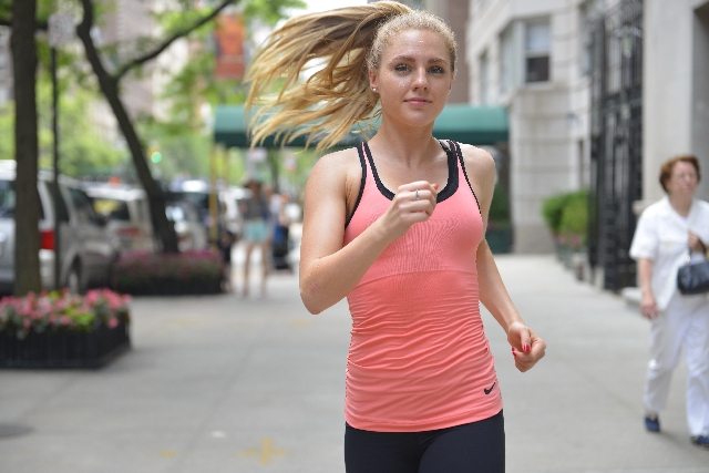 「仲間と一緒に走るよりは一人で走った方がいい? 「脳機能」について専門家が解説」の画像