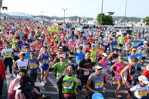 「冬の沖縄を疾走! 第31回 NAHAマラソン」の画像