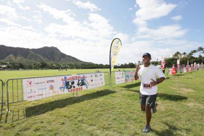 「ハワイのランドマークを駆け抜けてタスキをつなぐ!3月のハワイへ。「ホノルル・レインボー駅伝」開催」の画像