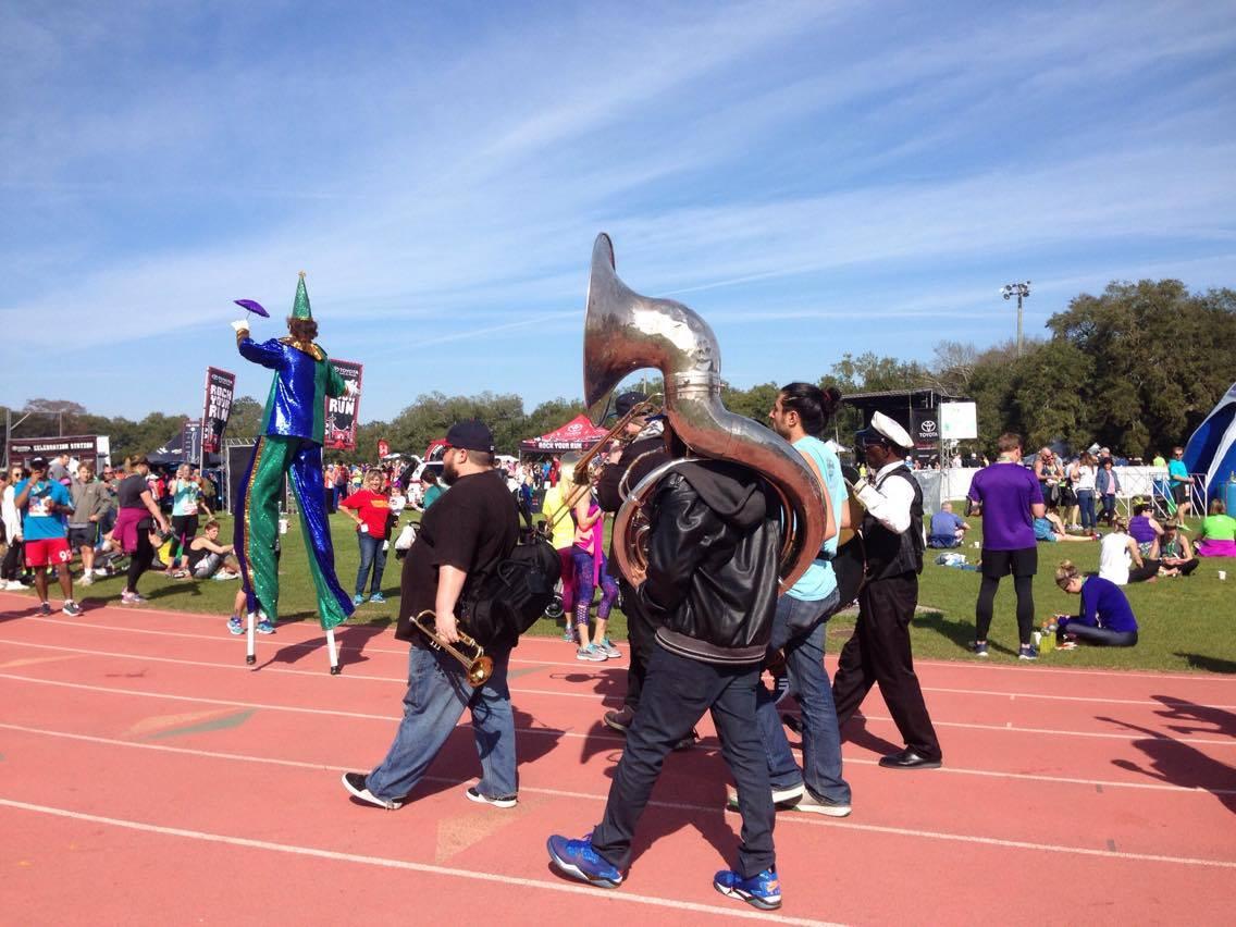 「音楽とマラソンの融合!アメリカで人気の「ロックンロールマラソン」に潜入」の画像
