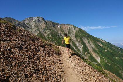 「パン屋・自衛官からプロトレイルランナーへ、奥宮選手が語る「山のマナー」」の画像