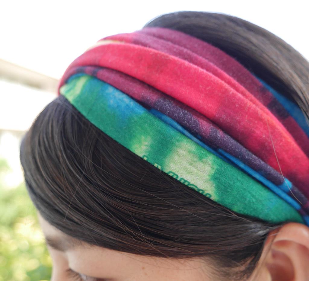 「首に巻くスタイルやターバンスタイル……「Buff」のオシャレな使い方」の画像