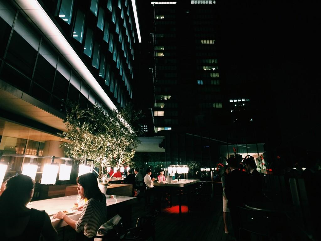 「シティランナーが注目!「adidas RUNBASE」近くにOPENのおしゃれビアガーデン」の画像