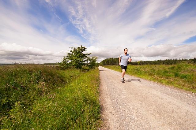 """「【エントリー時期に確認】フルマラソン参加は年間何レースが最適? """"走り過ぎ""""がまねく男性ホルモンの低下」の画像"""