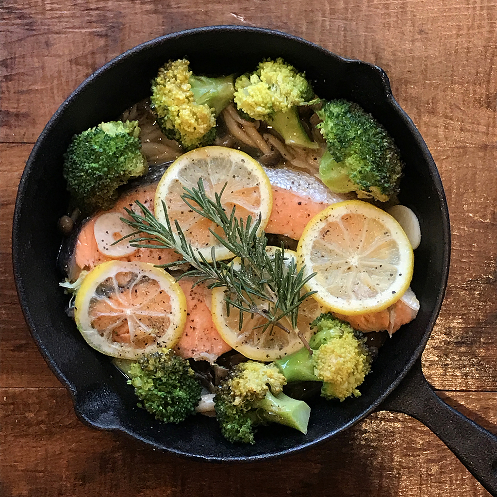 「管理栄養士が考えるランナーメシ!旬の鮭で脂肪を燃焼!【鮭のレモン焼き】」の画像